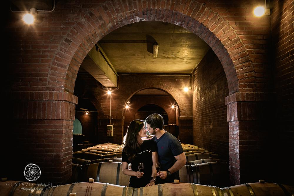 fotografo de novios en bodega belasco de baquedano, preboda, sesion de novios en mendoza, casamento em vinicolas