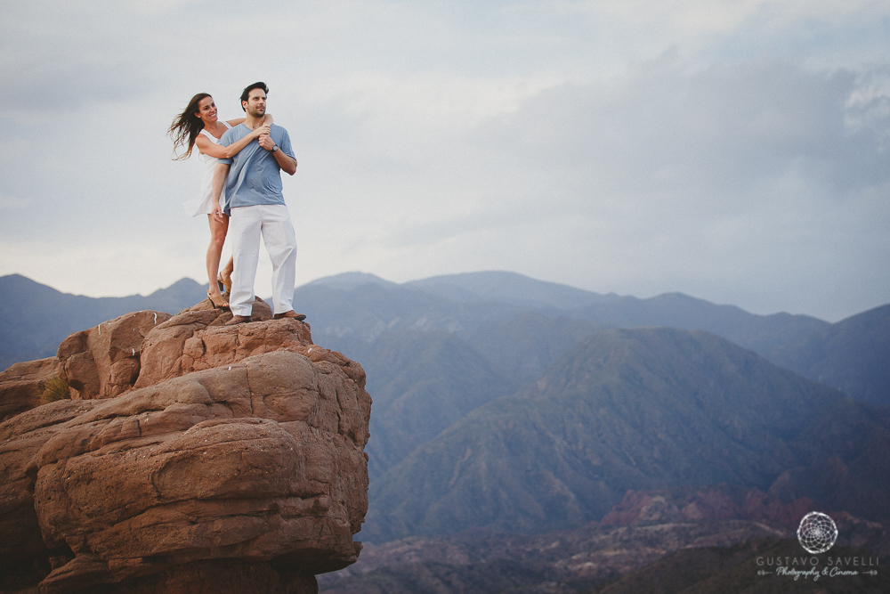 fotografo-casamiento-argentina-mendoza-photographer-wedding-argentina-mendoza-cerro-sesion-novios-e-session-mountain-grooms-boyfriends05