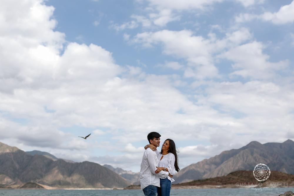 sesion fotos novios-montana-mendoza-fotos naturales- eventos-fotografia-servicio-profesional-casamiento-boda-video-02
