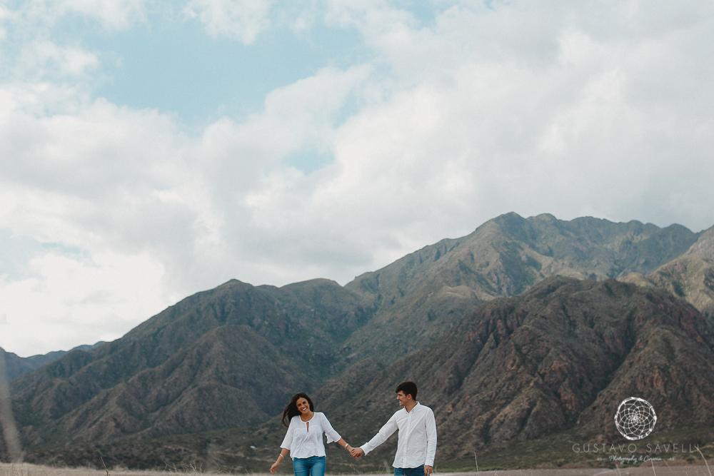 sesion fotos novios-montana-mendoza-fotos naturales- eventos-fotografia-servicio-profesional-casamiento-boda-video-04