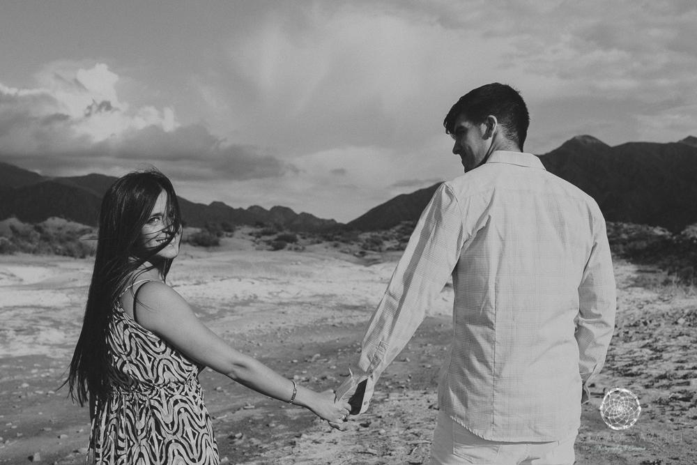 sesion fotos novios-montana-mendoza-fotos naturales- eventos-fotografia-servicio-profesional-casamiento-boda-video-13