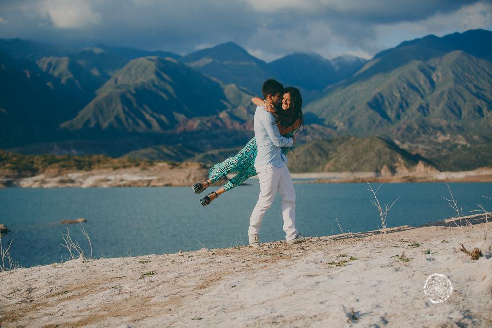 sesion fotos novios-montana-mendoza-fotos naturales- eventos-fotografia-servicio-profesional-casamiento-boda-video-20