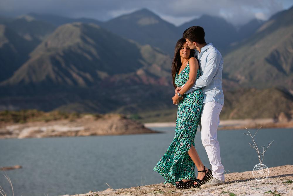 sesion fotos novios-montana-mendoza-fotos naturales- eventos-fotografia-servicio-profesional-casamiento-boda-video-22