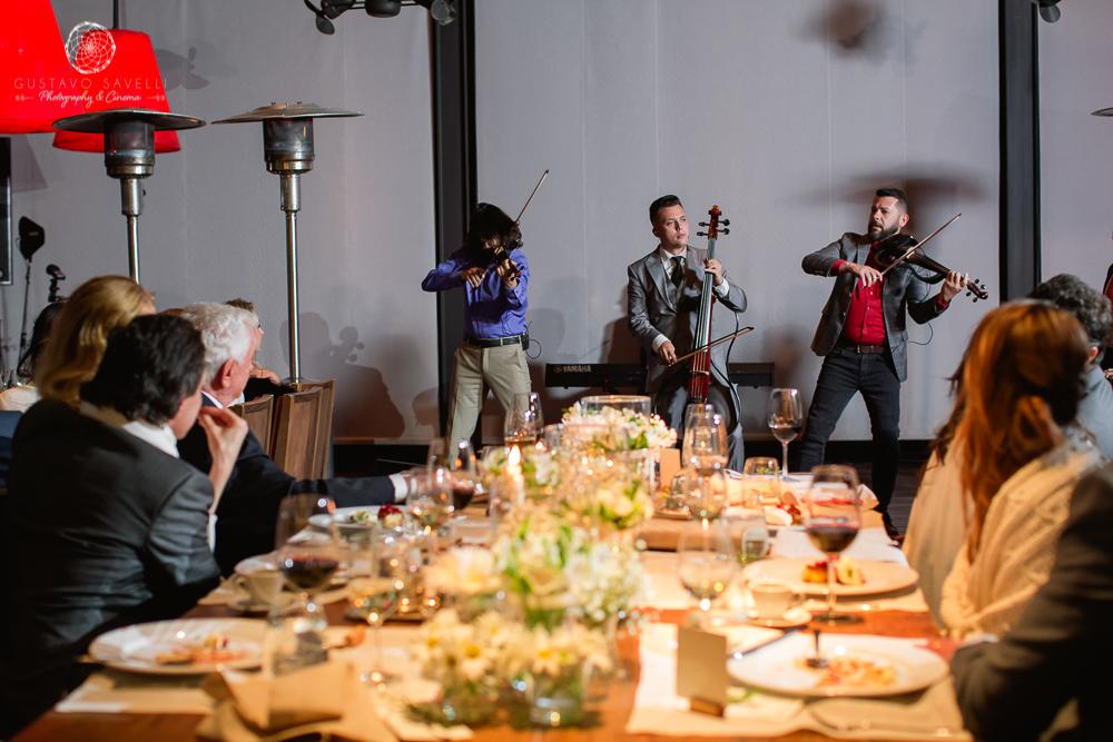trio titanium, the vine, the vine resort & Spa, hotel para casamiento, hotel con vinas para bodas, wedding winery , winery, mountain, casamiento de dia, en bodega, ceremonia, celebrante, decoracion, ambientacion, planners, marina cook, gustavo savelli, fotografo, photographer, tupungato, video, videographer,