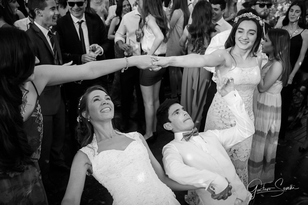 salon-terra-oliva-mendoza-casamiento-de-dia-campestre-fotografo-fotos-espontaneas-naturales-momentos-reales-arte-