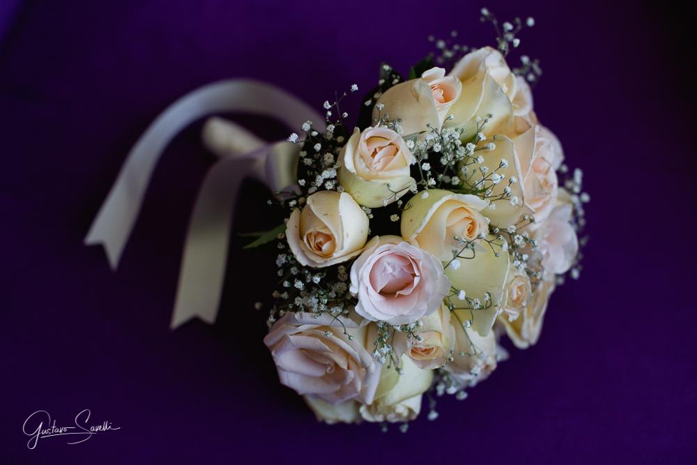 detalles de la boda, ramo de la novia en la boda de carla y leo