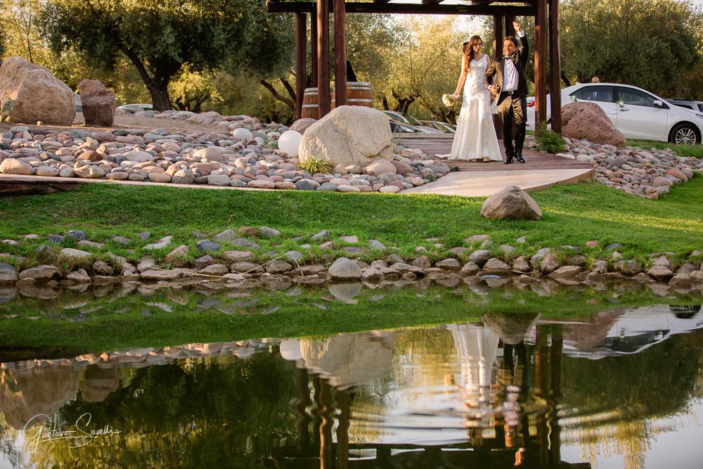 casamiento en el salon terra oliva, llegada de los novios