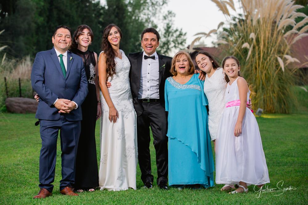 casamiento en el salon terra oliva, fotos familiares, boda carla y leo